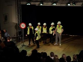 Hardt arbeid (Foto: Svein-Ivar Pedersen, Sande Avis)